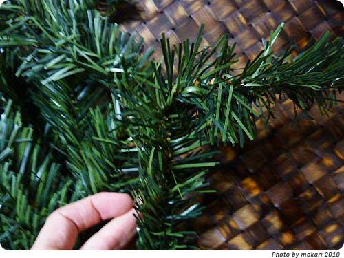 20101213-10 トイザらスで買ったクリスマスツリーが、届きました