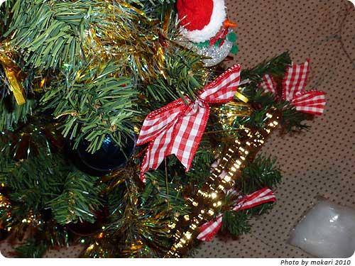 20101213-4 トイザらスで買ったクリスマスツリーが、届きました