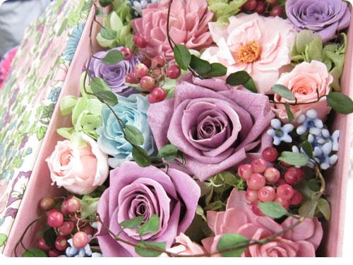 201200315-2 母の日にプレゼントしたくなる、日比谷花壇の美しい花束