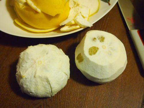 P2192901 愛媛県産の訳あり文旦10キロをおいしく満喫。皮はぶんたん湯に!