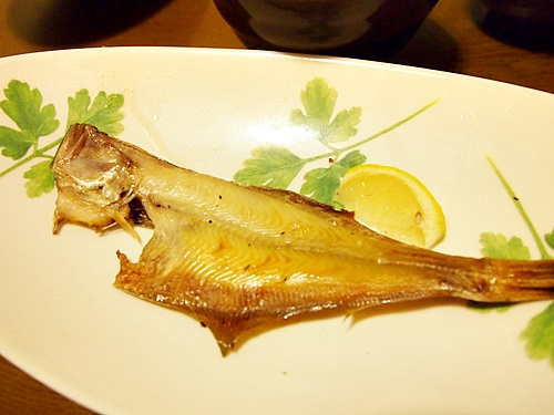 P3043544 福井県産の一夜干し。カレイの味くらべ(ベタカレイ、白カレイ、赤カレイ)