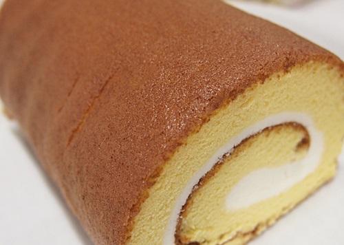P3088903-up 熊本県阿蘇のこだわり、米粉のふかふかロールケーキのお取り寄せ♪