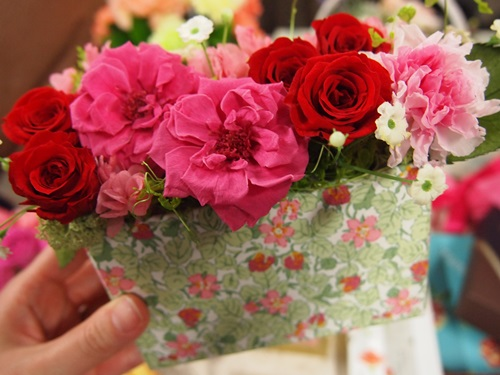 P3088984 [母の日]日比谷花壇とリバティプリントのお花のギフト(プリザ)