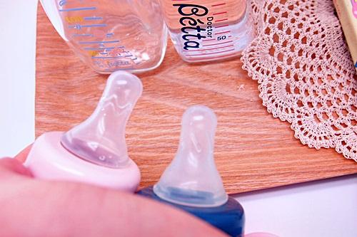 P3241811 ベッタの哺乳瓶を半年使った感想~赤ちゃんと哺乳瓶編~