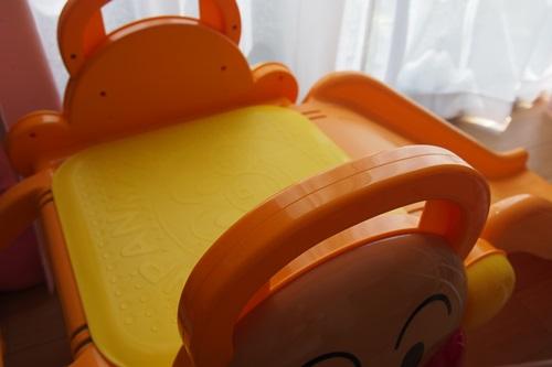 P6046137 梅雨だし暑いし、2歳児に室内用すべり台を買った結果
