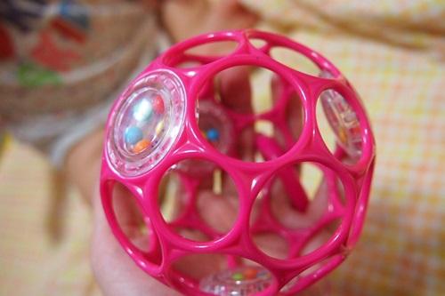 P6143264 赤ちゃんが遊びやすいボール