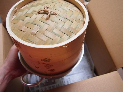 P6246983 これで蒸せる!鍋とセイロがセットになった小ぶりな蒸し器