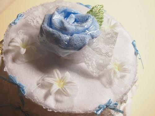 P7077220 出産祝いに「おむつケーキ」