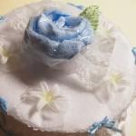 出産祝いに「おむつケーキ」