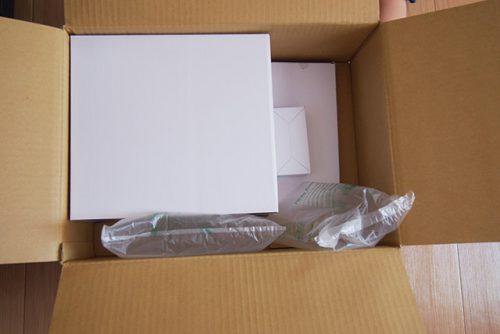 ショップジャパンのミシン「ヌエッタ」 届いて箱を開けたところ