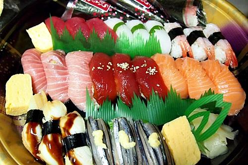 楽天デリバリーで宅配寿司注文