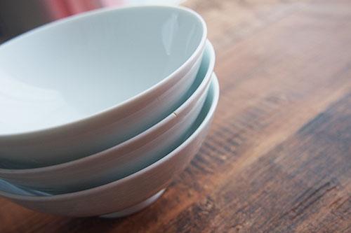 無印で買った白磁の茶碗