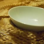 普通のおちゃわんが欲しくて無印良品の白磁の茶碗を買った