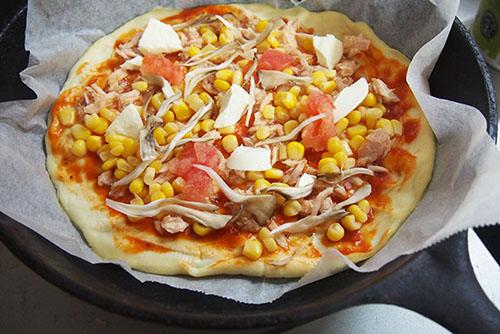 ピザ ツナ
