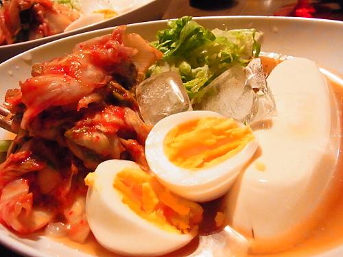 R1154704 自宅で韓国冷麺を食べる