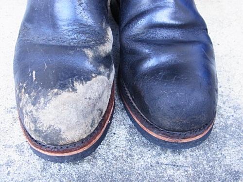 R1158081 夫、ブーツ磨いておいてあげましたよ