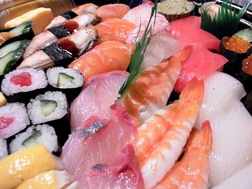 R1159231 ネットで寿司の出前をたのんだら、ちゃんと届いて楽天のポイントがたまった