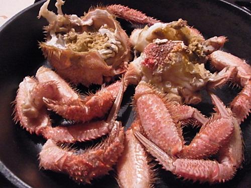 R1159374 毛蟹のさばき方を見ながらカニをさばく(夫が)
